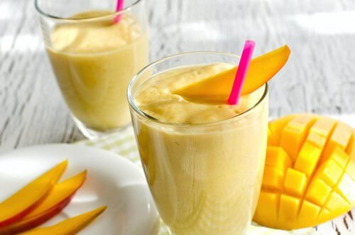 Mango og havre smoothie