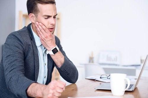 5 kjerringråd som lindrer smerter i kjeven
