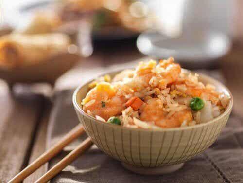 Lær å lage stekt ris med denne enkle oppskriften
