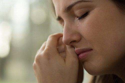 Fordelene ved å ikke holde tilbake tårer
