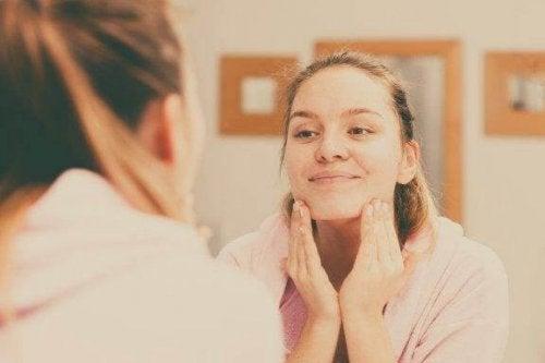 Fem tips for å hjelpe deg med å rense huden din riktig