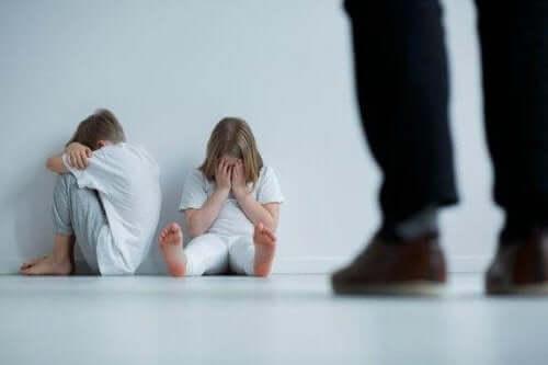 tegn på følelsesmessig overgrep dating dating portal Schweiz kostenlos
