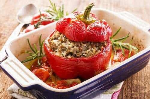 Deilige oppskrifter på fylte paprika med quinoa