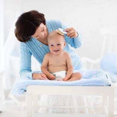 Fem tips for å ta vare på håret til babyen din