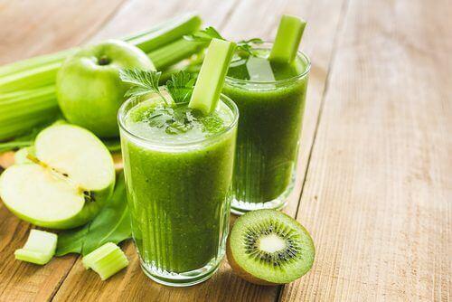 La oss nå se på noen fakta om grønne smoothies.