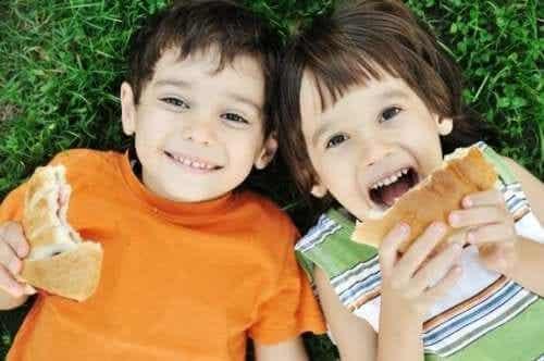Syv feil som foreldre ofte gjør med barnets kosthold