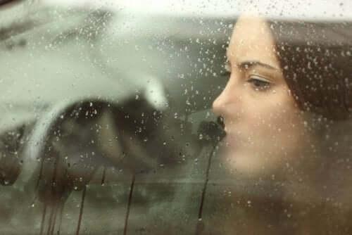 Hva er årsakene til at kjæresten din forsvinner?