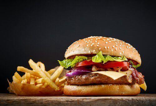 Kylling er full av protein og andre nødvendige sporstoffer.
