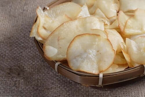 Vi gir deg de beste oppskriftene på chips av aubergine og andre grønnsaker.