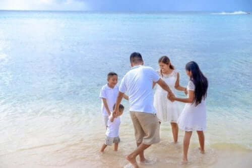 Å dra på stranden med barna dine