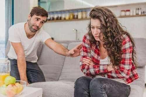 5 faretegn på et følelsesmessig mishandlende forhold