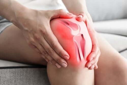 Hvordan forårsaker slitasjegikt knesmerter?