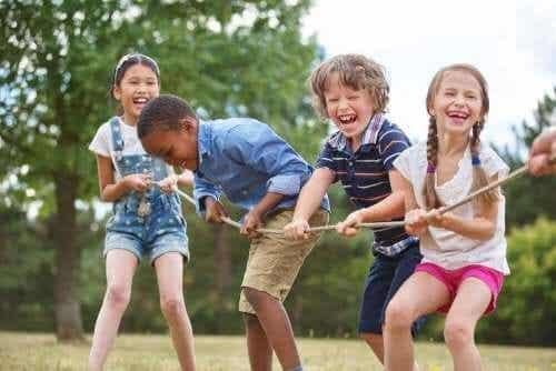 Barna som er overbelastet med aktiviteter