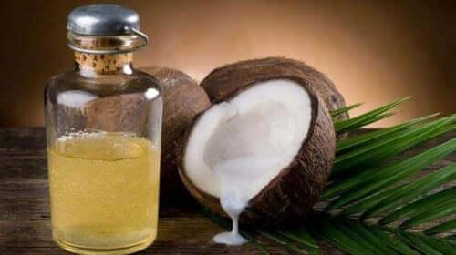 Kokosnøttolje for å kontrollere høyt kolesterol