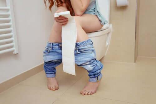 Til forskjell fra kronisk diaré, er akutt diaré vanligvis forårsaket av en infeksjon.