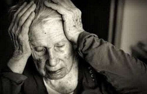 Kvinne med alzheimers.