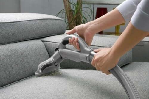Støvsug for å rense luften i hjemmet ditt