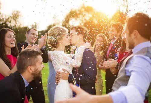 Hva er pliktene til brudepiken og forloveren?