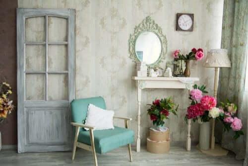 Ideer for å restaurere og resirkulere gamle møbler