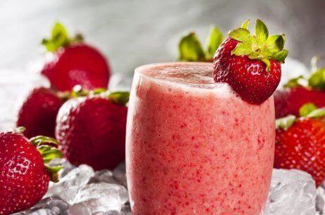 En kald slush med jordbær og vannmelon.