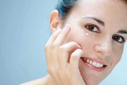 Seks råd for å ta vare på huden rundt øynene dine