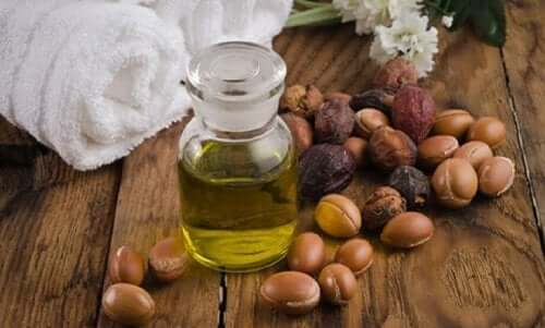 Jojoba-olje er betennelsesdempende og bra for å lindre utslett.