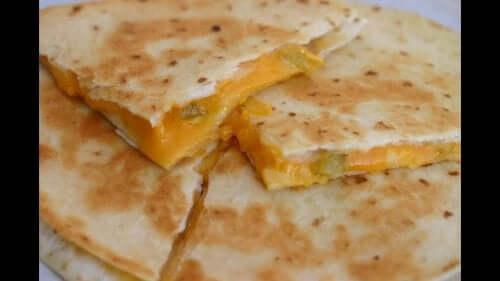 Quesadilla med mango og ost