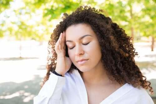 Slik lindrer du hodepiner forårsaket av varme
