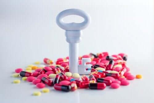 Nøkkel og medisiner