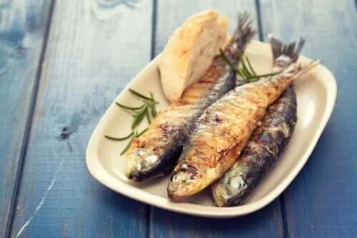 Fisk på et fat