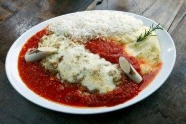 Kalvestek med parmesan: en enkel oppskrift