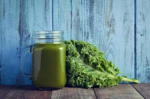 Kremet grønnsakssuppe med grønnkål og spinat – et vitamintilskudd