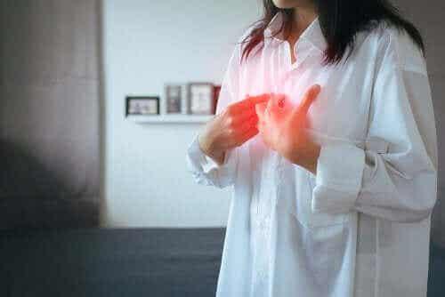 Gastroøsofageal reflukssykdom (GERD): Symptomer og behandling