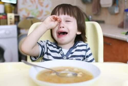 Hva bør du gjøre når barna ikke vil spise?