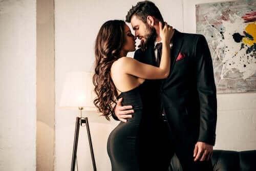 Råd for å holde lidenskapen i live i et forhold