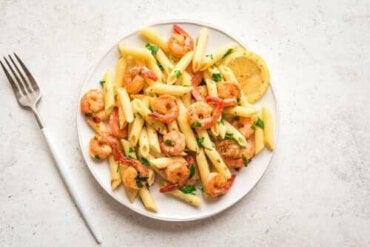 Oppskrift på pasta med reker og sitron til middag