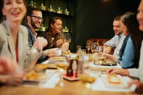De beste tipsene for å spise ute på en sunn måte