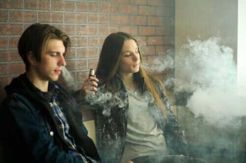Elektroniske sigaretter: Sikkerhetsbekymringer