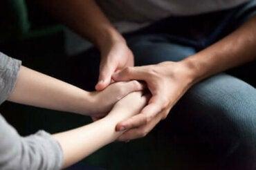 Fem måter å vise partneren din at du bryr deg på