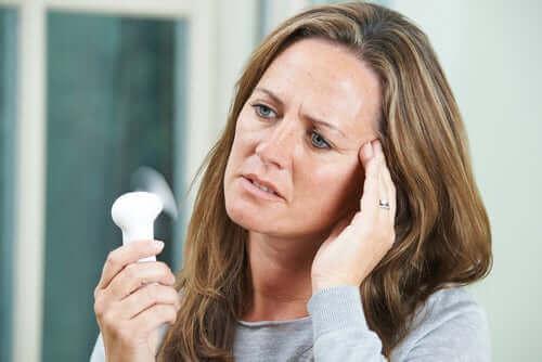 Hetetokter i overgangsalderen påvirker de fleste kvinner.