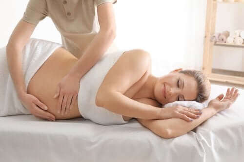Fire fordeler med massasje før fødselen