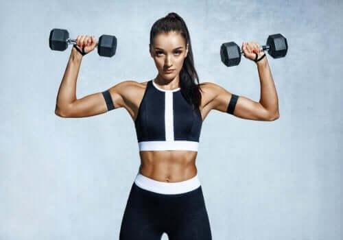 Burde du strekke musklene eller styrke musklene?