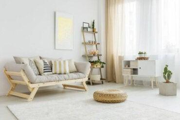 5 ideer til gjenbruk av tremøbler til hjemmet ditt