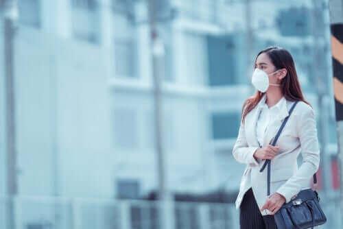 Ulike munnbind og masker for å beskytte mot koronavirus