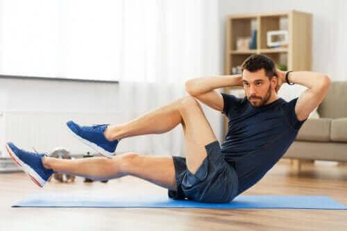 Flott treningsrutine for magen som du kan gjøre hjemme
