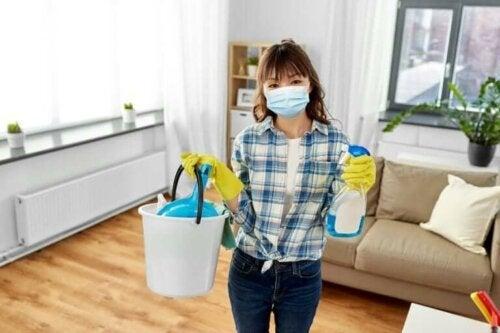 Koronavirus: Anbefalinger for å rengjøre og desinfisere boligen din