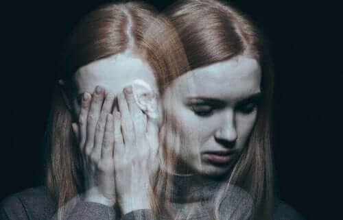 Kvinne med lav selvfølelse