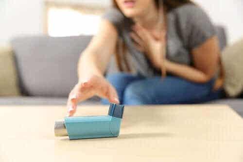 Akutt alvorlig astmaanfall: symptomer og behandling