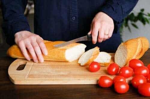 Er brød fetende? Vi gir deg svaret!