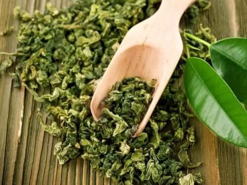Behandlinger med grønn te mot akne.